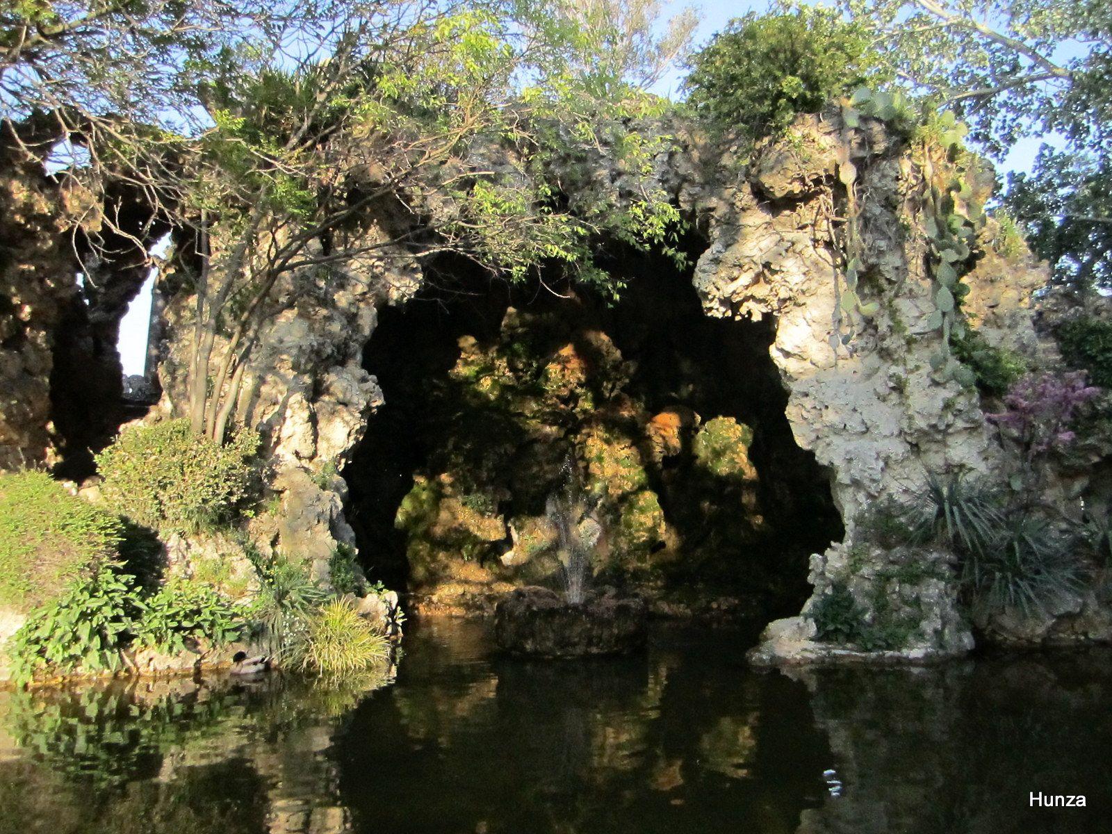 Jardin des Doms : la grotte rocaille