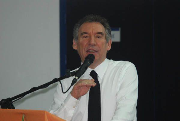 1 ° FRançois Bayrou. 2 ) Le frère Hervé Ponsot.