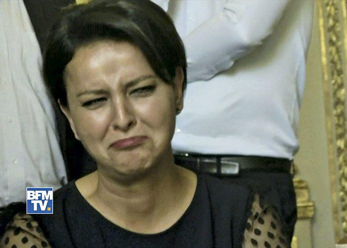 1 ) Maquillage craqué, le visage de Najat apparait enfin, à l'énoncé du nom de son successeur à l'EN. 2 ) J-M Blanquer nouveau ministre de l'EN .