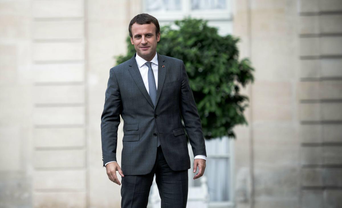 E. Macron : La cartouche ? Ou le fusil?
