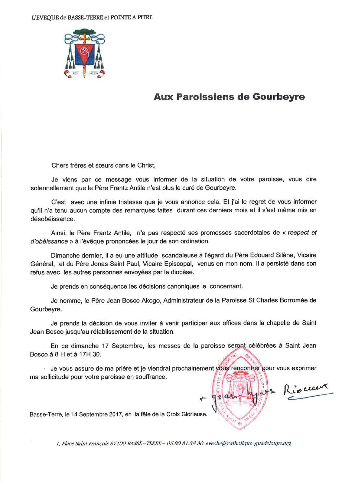 1 ) Mgr Riocreux et le père Franz Antile, lors de l'installation de ce dernier dans la paroisse de Gourbeyre, il y a quelques années. 2 ) La lettre de Mgr Riocreux aux paroissiens de Gourbeyre, parue dans Eglise en Guadeloupe.