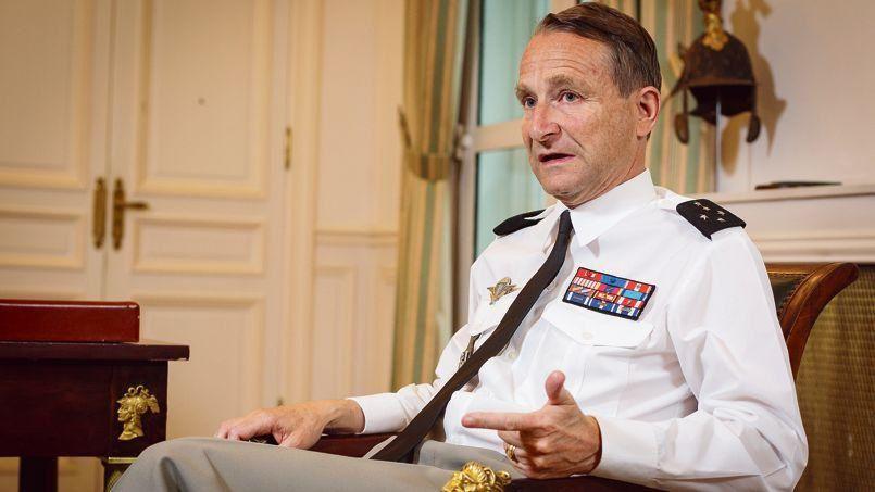 Après la friction entre le président de la République  et l'ancien chef d'Etat-Major des armées, celui-ci, le général Pierre de Villiers s'explique au micro de RTL.