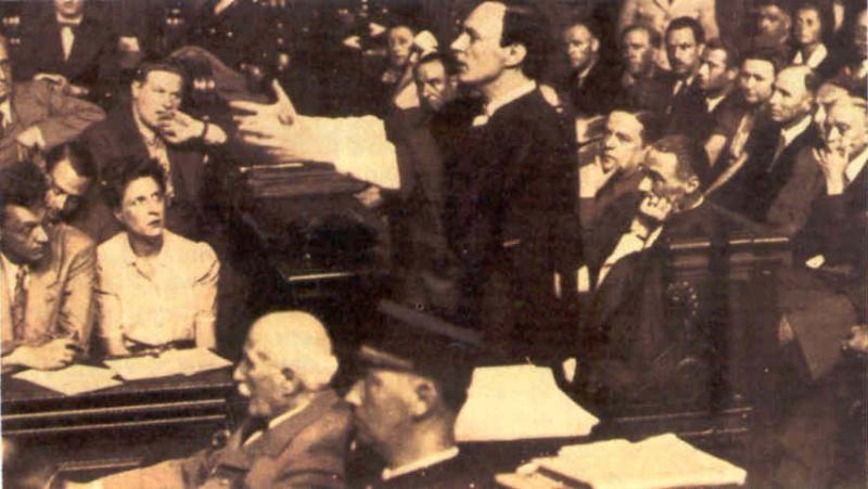 Maître Jacques Isorni au procès du Maréchal Pétain.