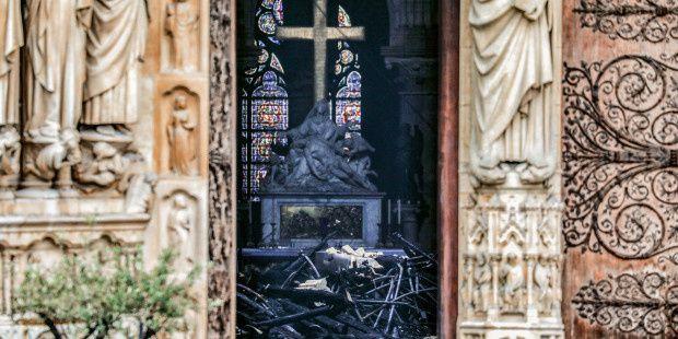 Important: Une messe sera célébrée à Notre-Dame à la mi-juin, la première depuis l'incendie