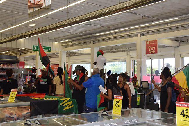 À la Martinique aussi, au Carrefour Cluny, «l'intelligence» est... en marche!