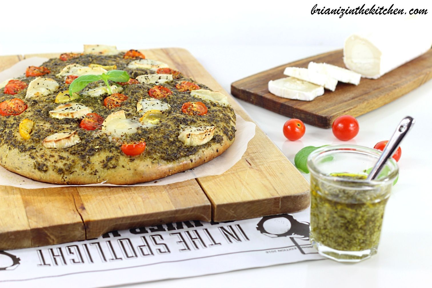 Focaccia Pesto de Basilic, Tomates & Fromage de Chèvre