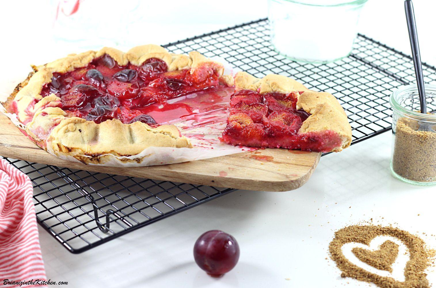 Tarte Rustique aux Petites Prunes Rouges