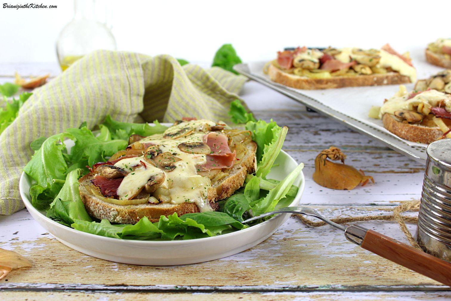 Tartines Fondue d'Oignons, Champignons et Crème de Maroilles
