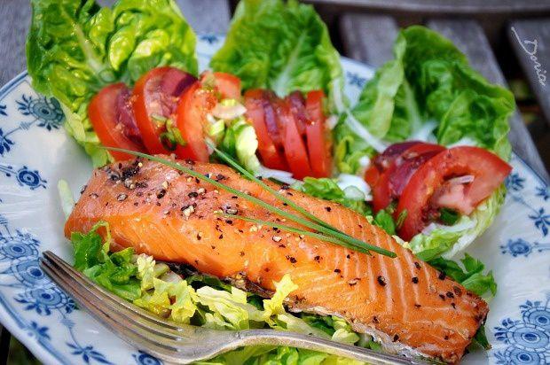 Salade au saumon cuit et fumé au poivre et gésiers confits