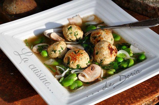 Nage de boulettes de veau aux herbes, légumes de saison