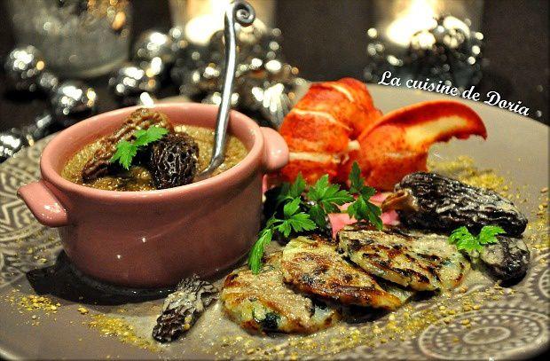 Royale de homard au foie gras et morilles au vin jaune, paillasson de pommes de terre