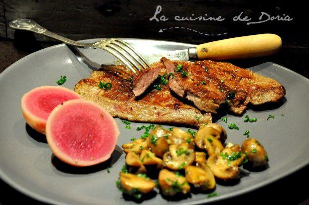 Foie de veau Broutard, fricassée de champignons de Paris et radis Red Meat confits