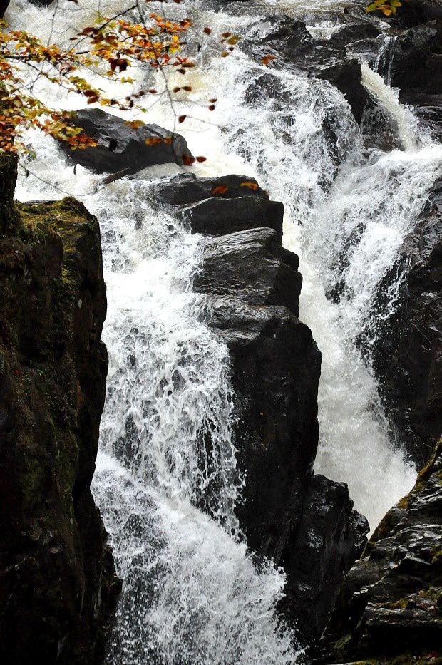 """Doria en Ecosse (8)... La cascade """"The Hermitage"""""""