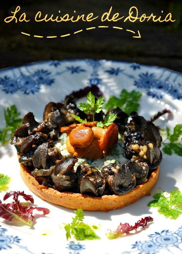 Galette d'escargots de Bourgogne aux girolles et herbes du jardin