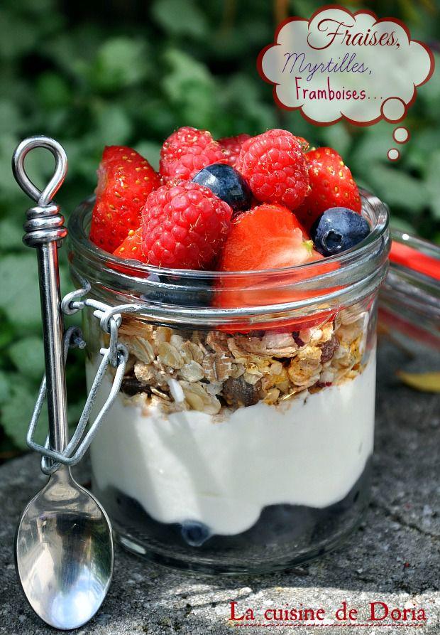 Petit déjeuner... Fruits rouges, yaourt grec, muesli