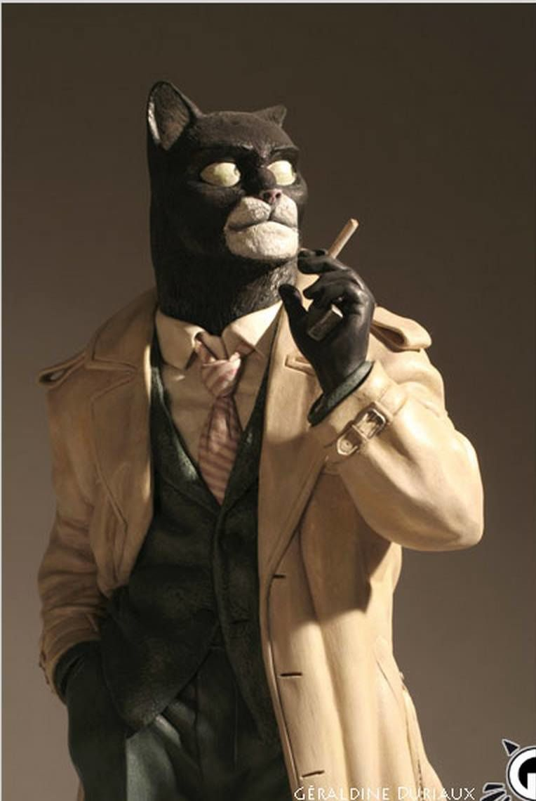 Figurine Blacksad after the cartoon Juanjo Guarnido. Collection of the author: 1999 - 2007 - Resin - Oil - Height: 280mm - Photo credit Duriaux Geraldine (the cons) and François Golfier (above).