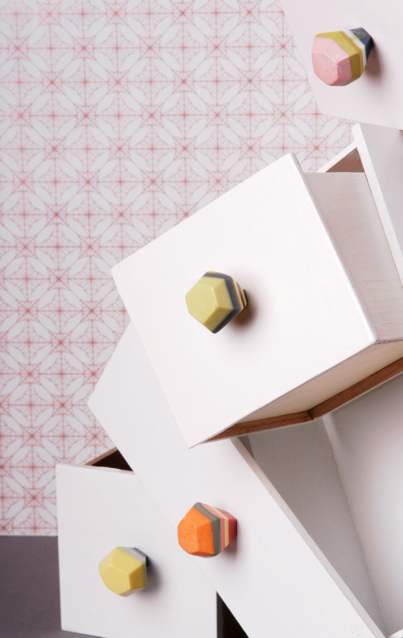 Kunstharz-Möbelgriffe: Facettierte Steine in Pastellfarben