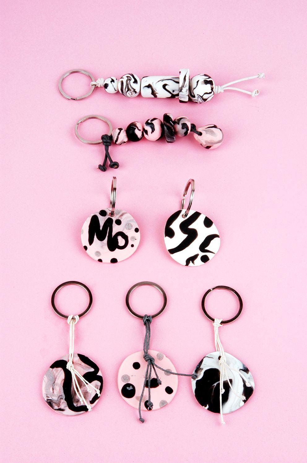 DIY-Schlüsselanhänger aus gemustertem Kaltporzellan von Edna Mo.