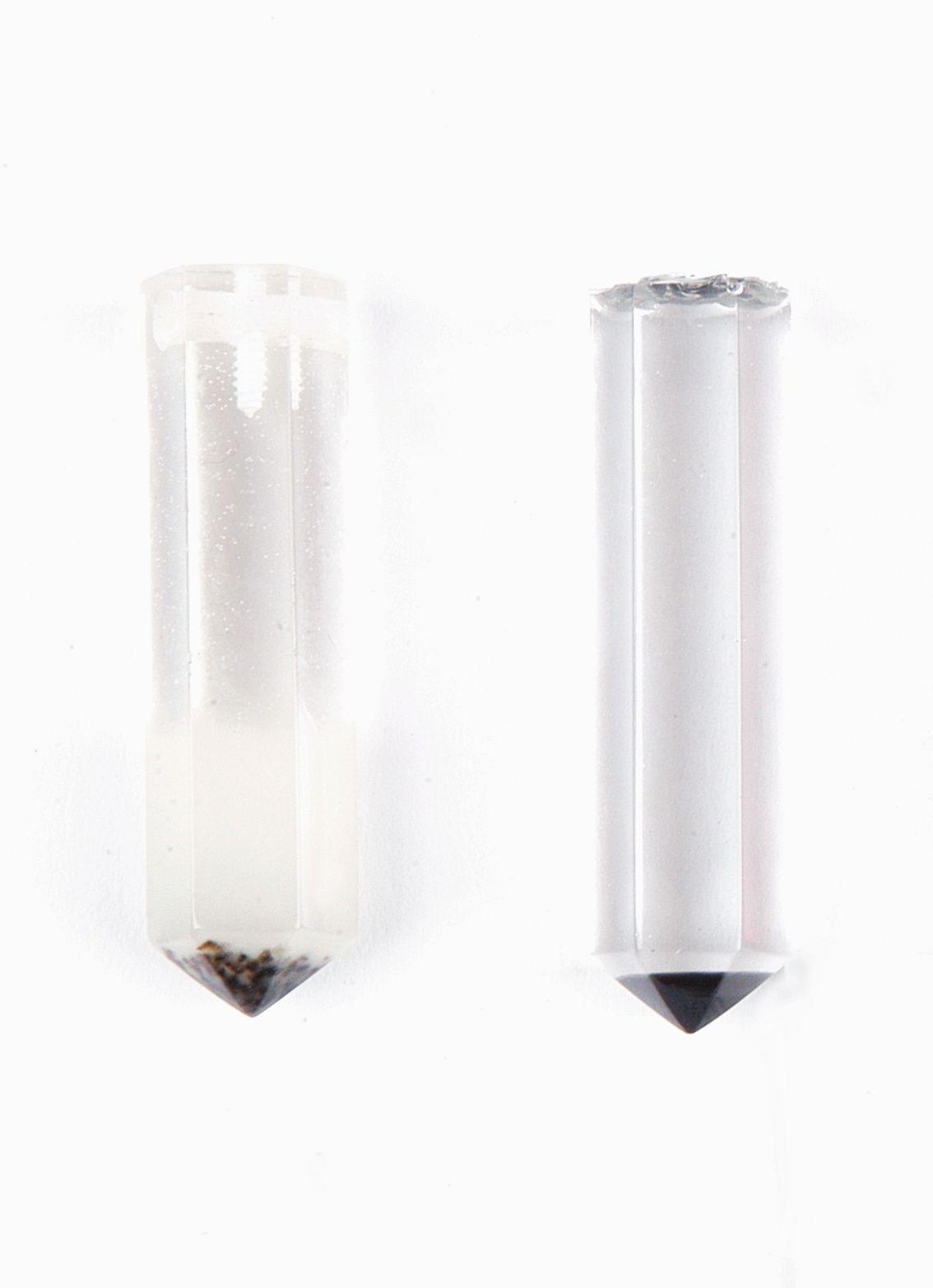 Links: testgeißeling aus einem früheren Porjekt, rechts Umsetzung Test mit SKresin 72 Epoxidharz