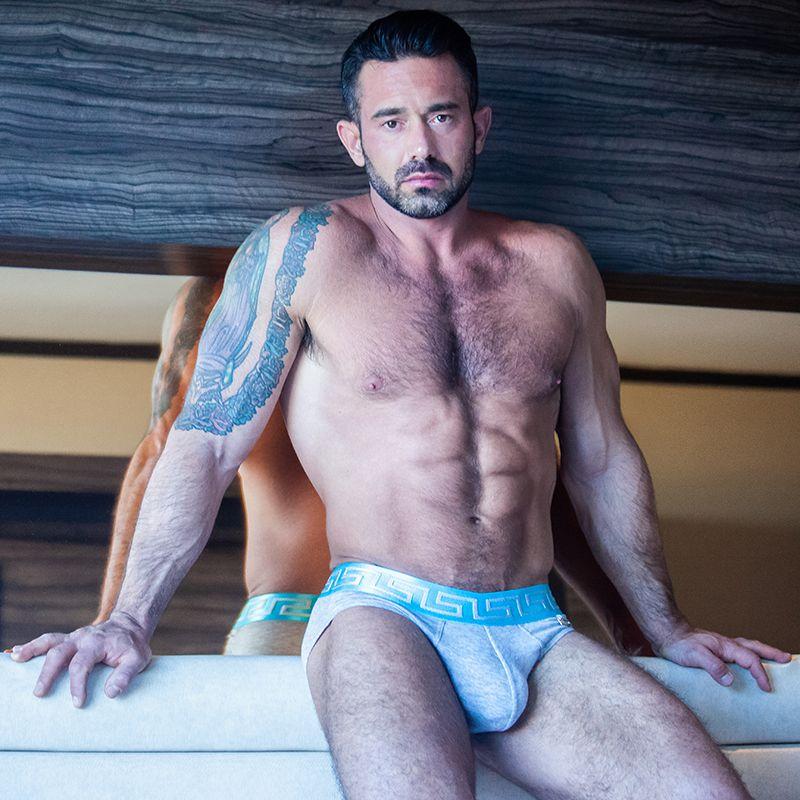 Ricky par Blake Yelavich