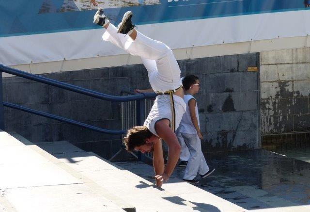 un acrobate_Annick_Photo