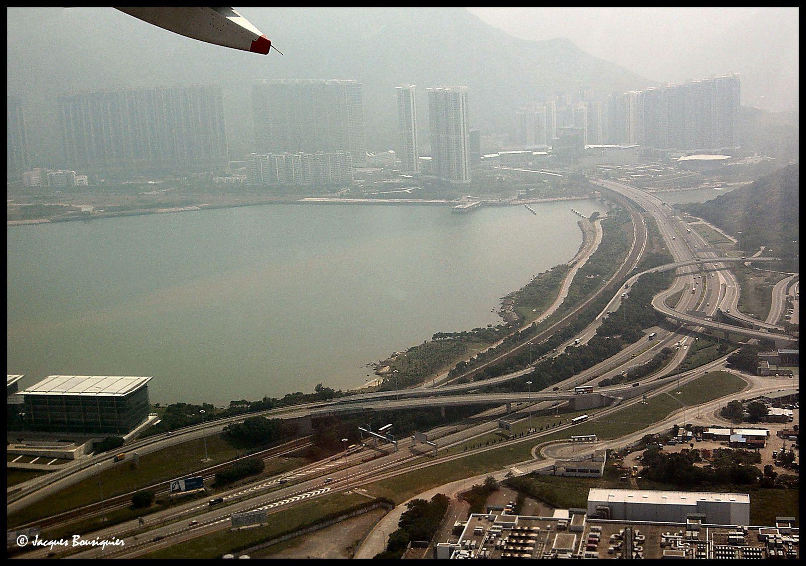 À suivre : Hong Kong by night...