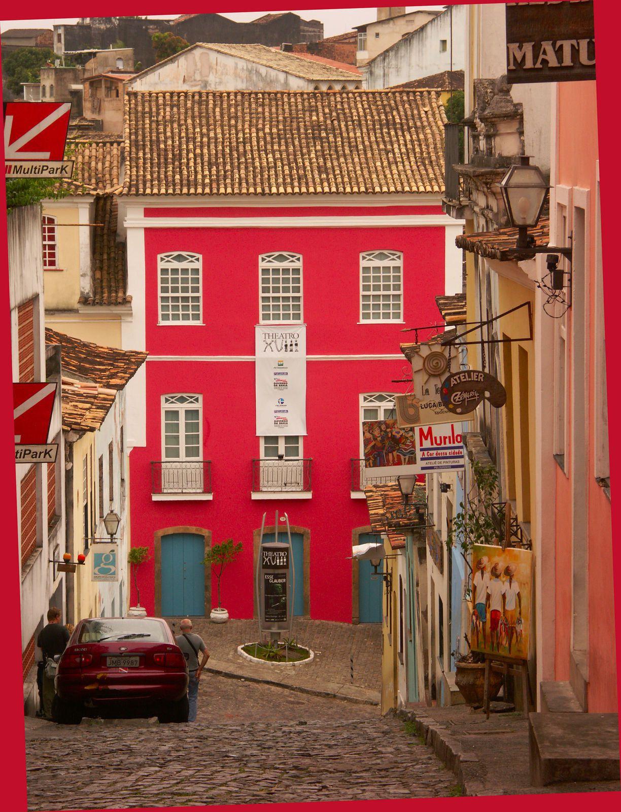 Une belle façade...  Photos réalisées à Salvador de Bahia le 13 novembre 2005