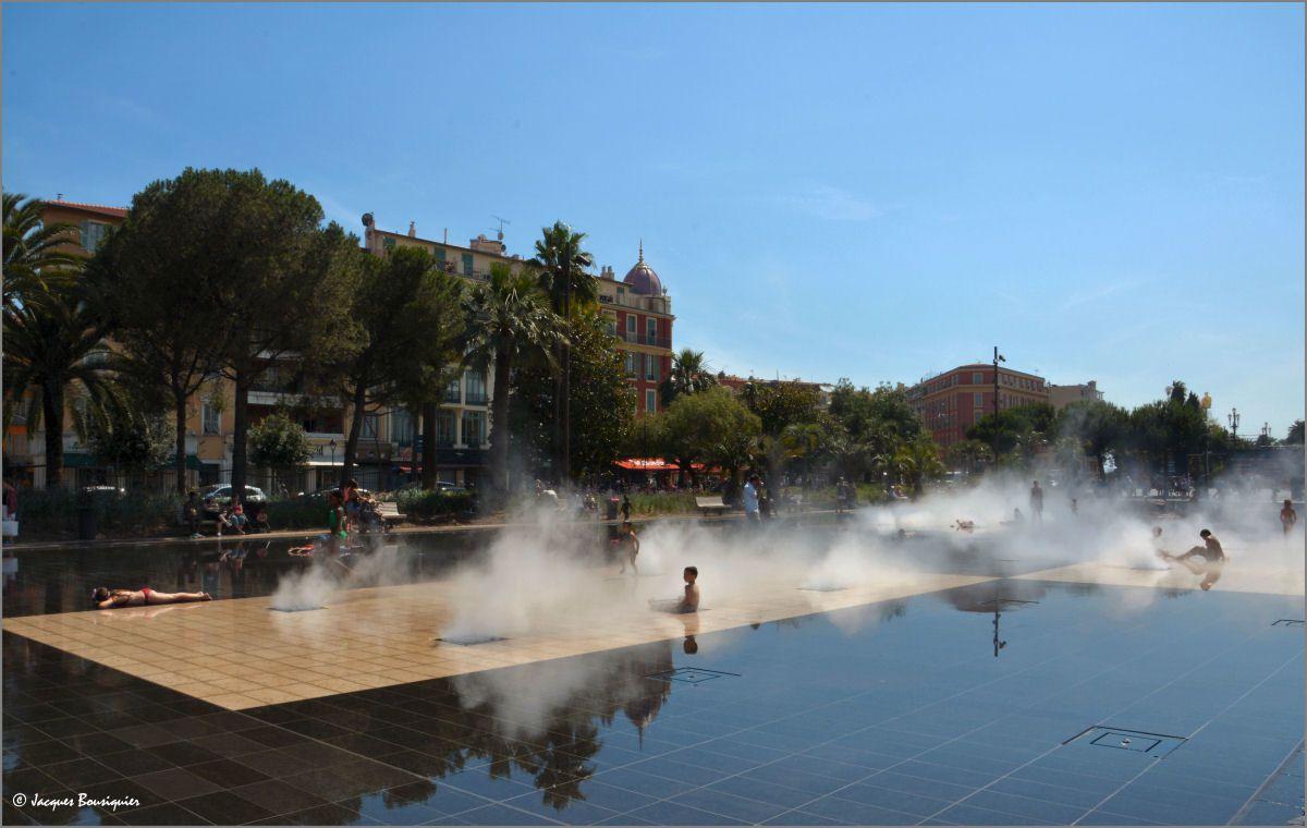 Narcisse à Nice, quand le Miroir d'eau fait envie