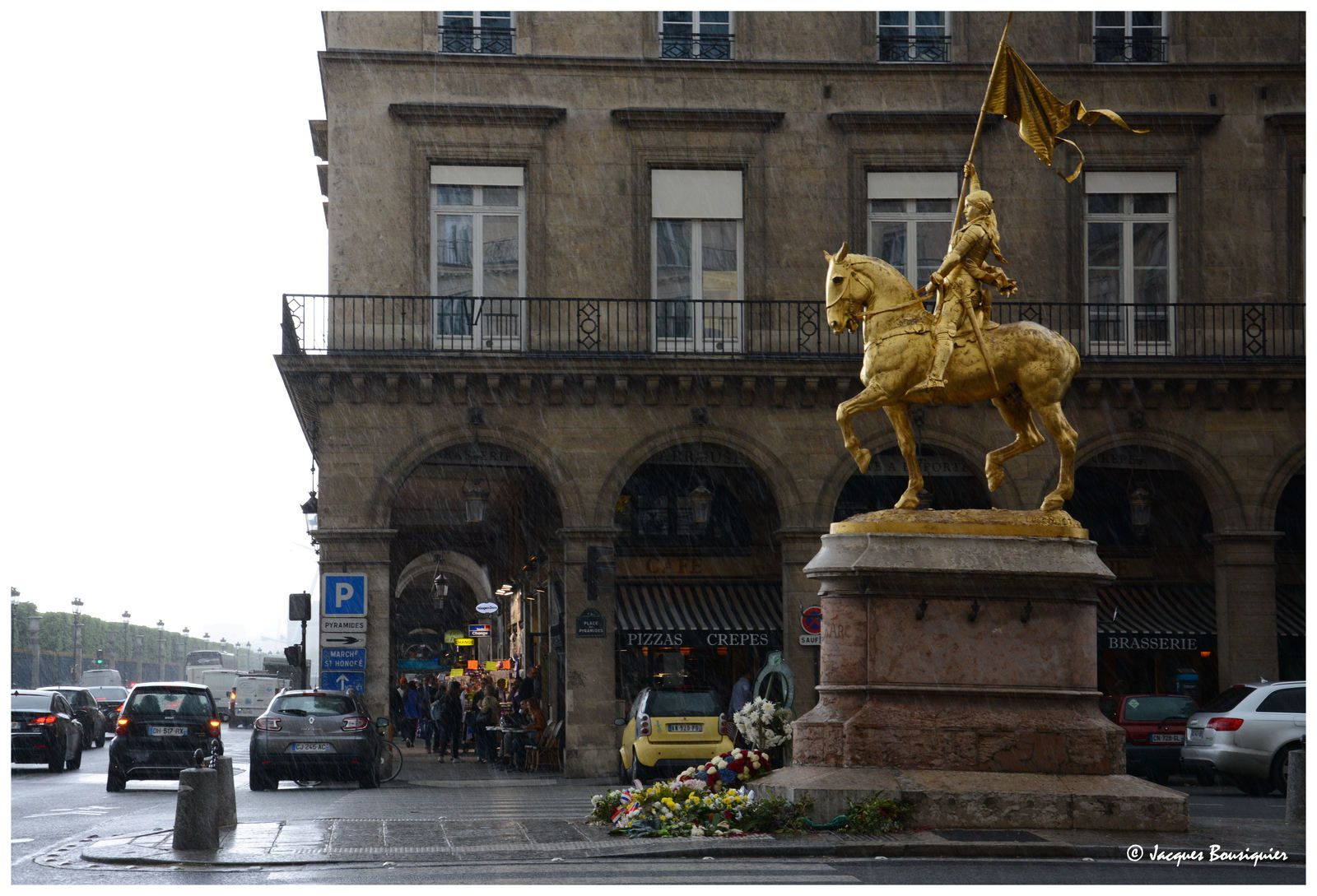 Jeanne d'Arc boutant la pluie à Paris