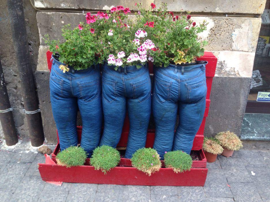 Recyclage : Jeans popotins pots de fleurs