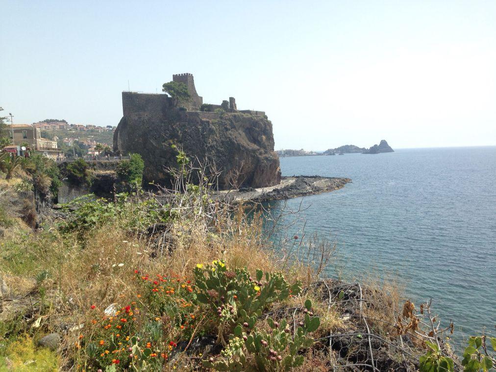 Cadenas d'amour d'Aci Castello