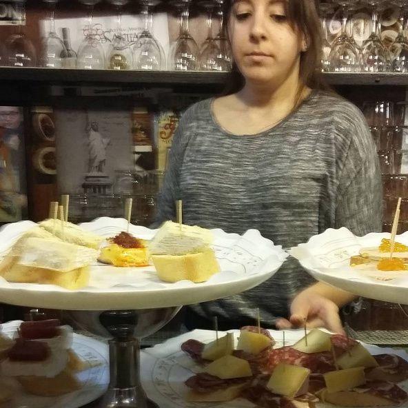 la Taverna Moni à Palamos, un bars à Tapas incontournable