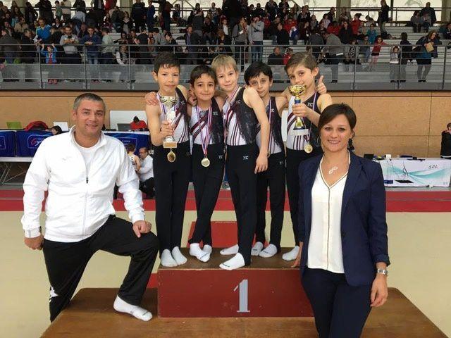 """L'équipe """"coupe formation"""" du CMOV Gymnastique danse et trampoline - Photo : © CMOV Gym"""