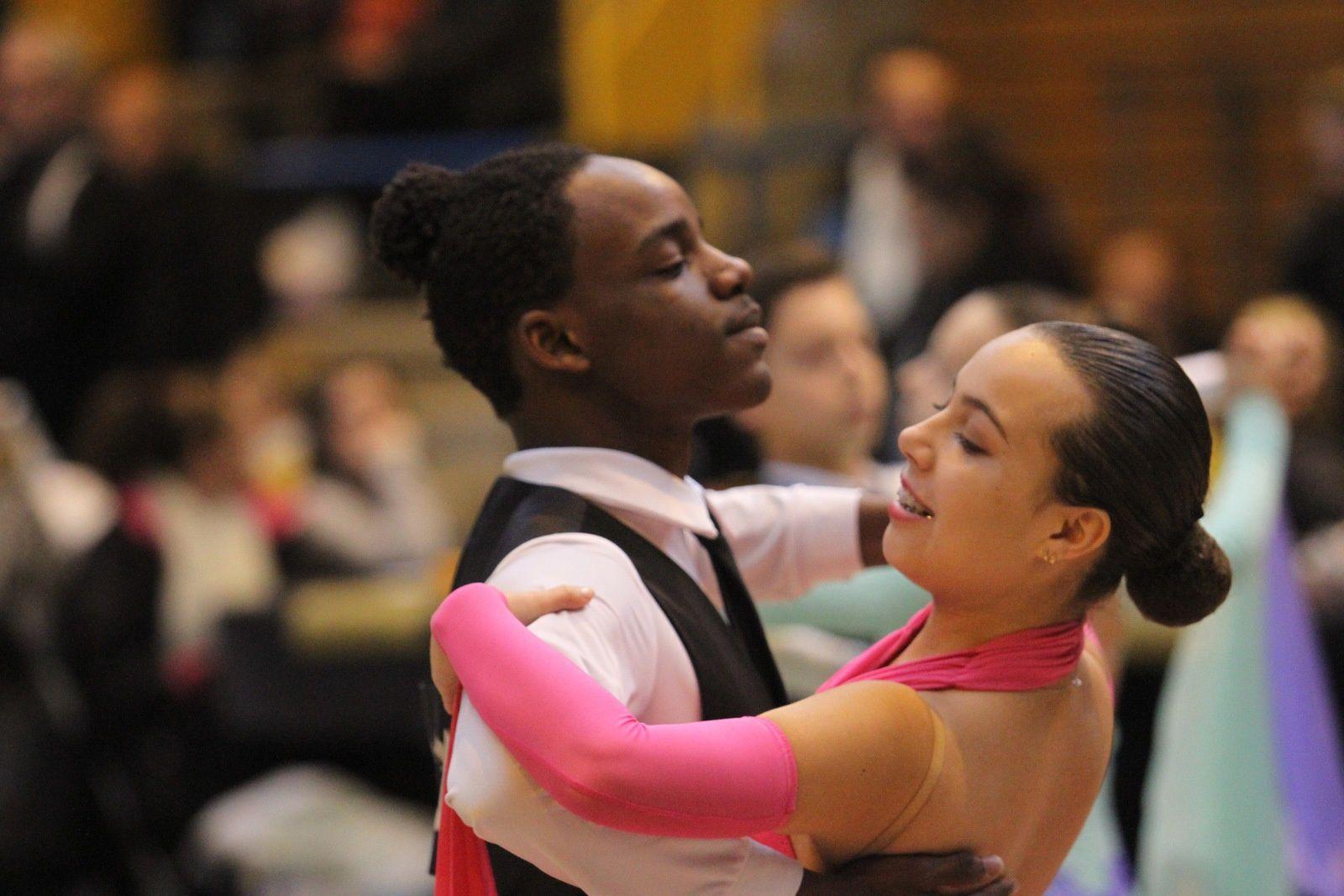 130 Couples de danseurs et 6 teams de danceshow ont participé au 9e trophée vénissian de danse sportive - Photos : © Sports Vénissians