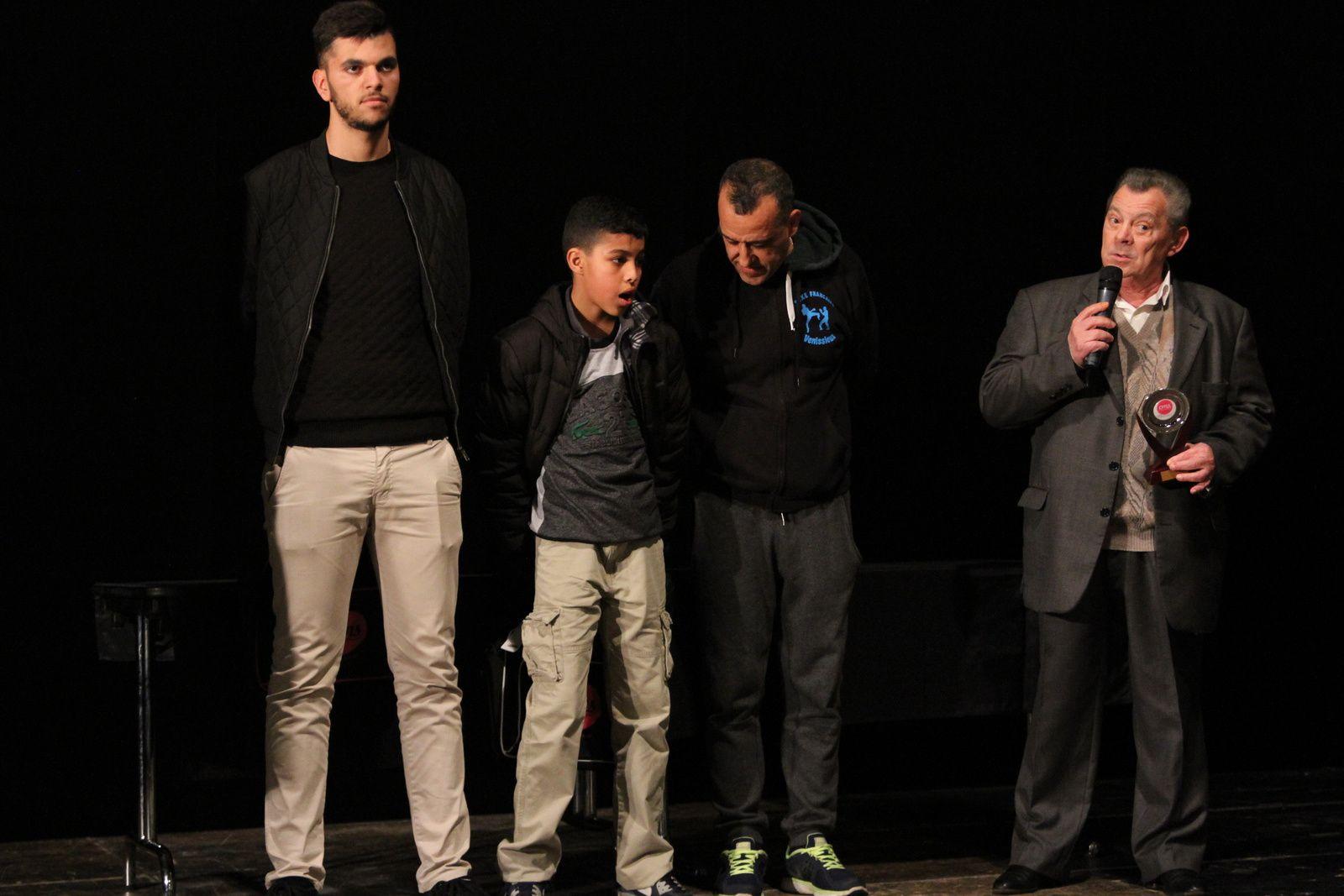Comme les gymnastes du CMOV GR, 169 sportifs et bénévoles ont été recompensés ce vendredi soir par l'OMS et la ville de Vénissieux