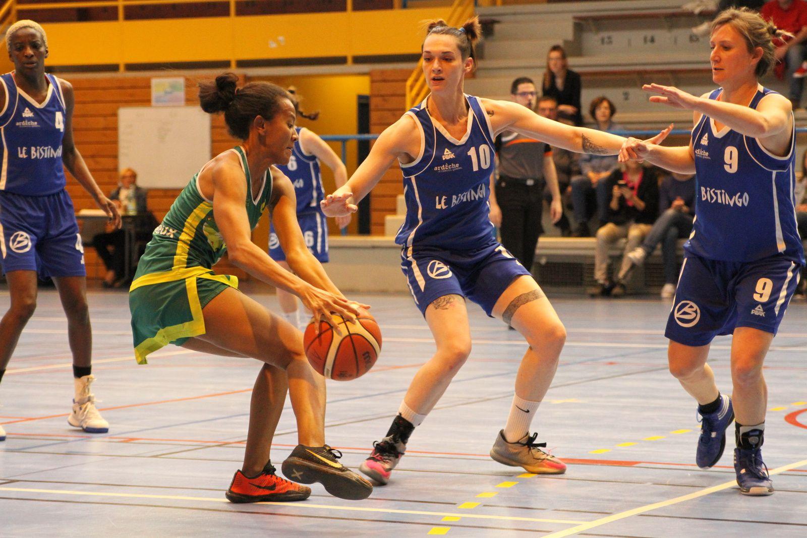 L'ALVP Basket a cartonné les Ardéchoises de Saint-Jean-de-Muzols - Photos : @ Sports Vénissians