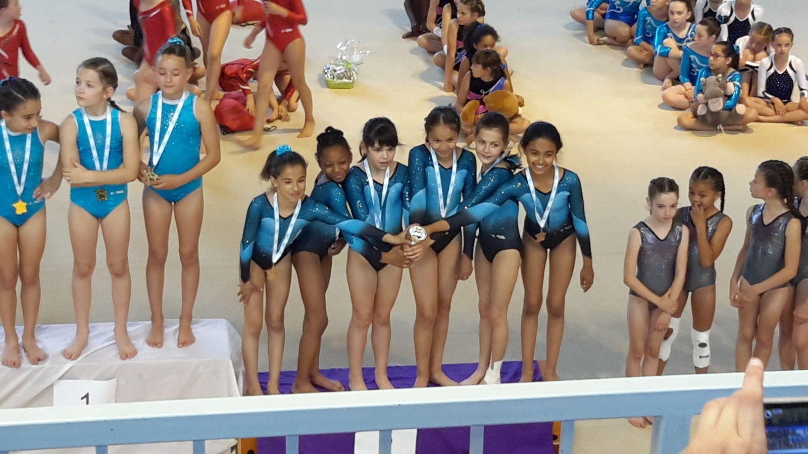 Les N5 7-14 ans du CMOV Gym sont championnes de la zone Sud Est  UFOLEP Filière jeunes - Photos : © CMOV Gym