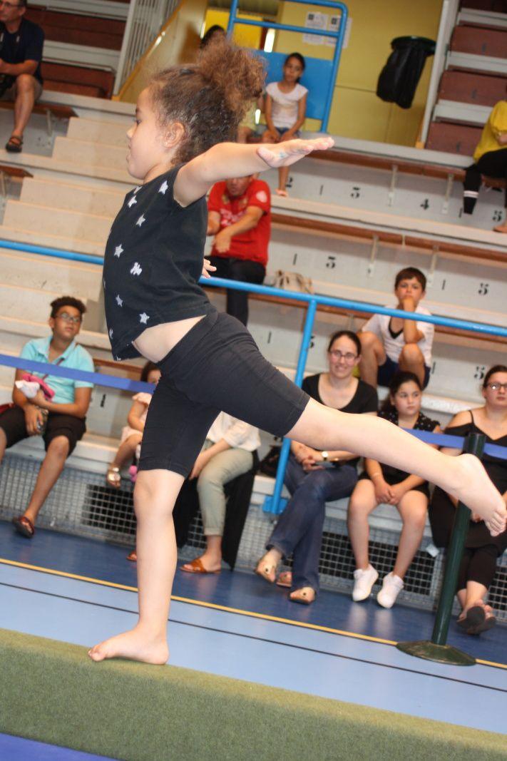 Le football féminin et l'école de gymnastique et de danse du CMOV Gym ont eu les honneurs de cette fin de semaine : Photos : © D.Y. et CMOV Gym