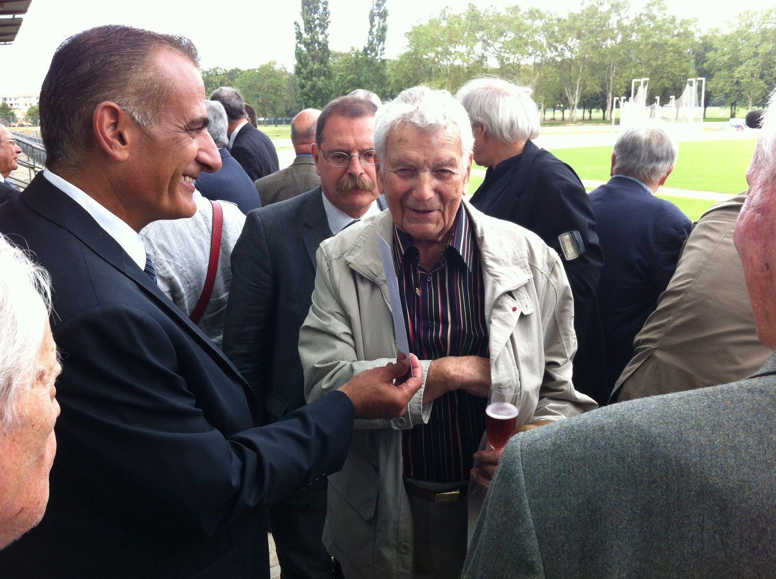Tony Bertrand début septembre 2012 lors de l'inauguration de la tribune du stade du Rhône à Vénissieux, tribune qui porte son nom