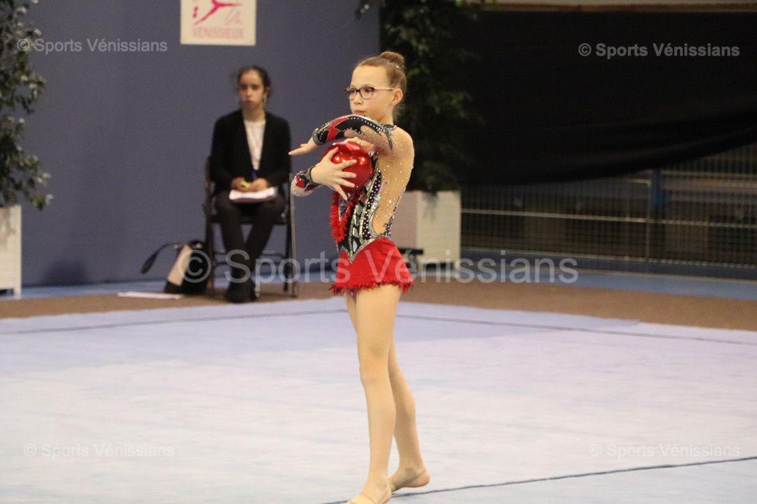 """Les Vénissianes ont brillé ce week-end lors des """"Régionaux"""" de gymnastique rythmique"""