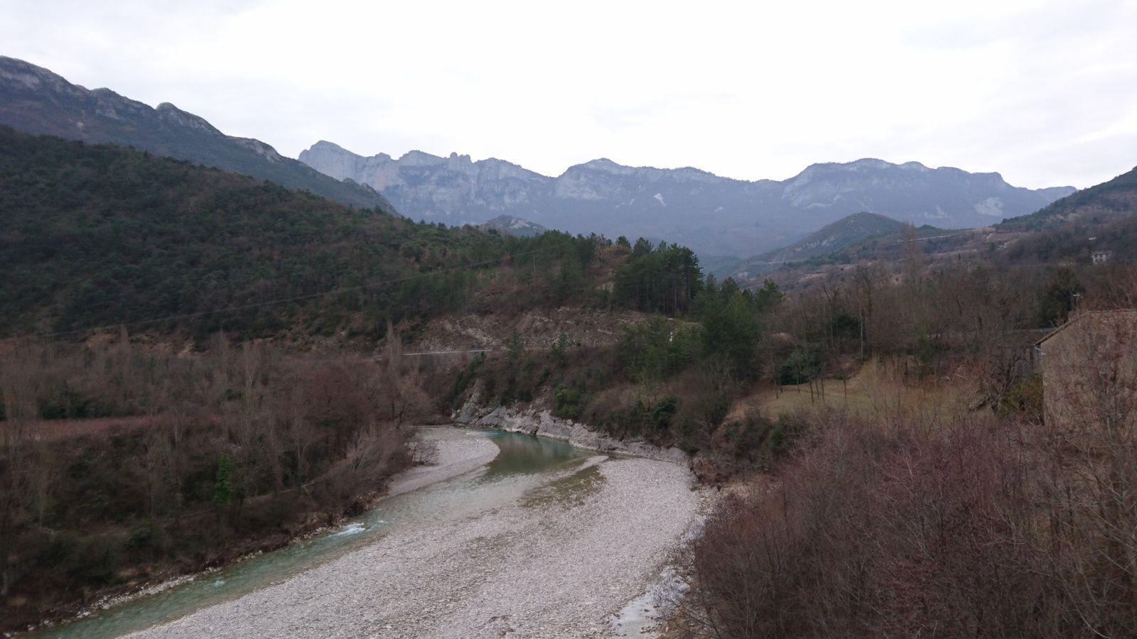 Peu d'eau dans la Drôme, vers Saillans