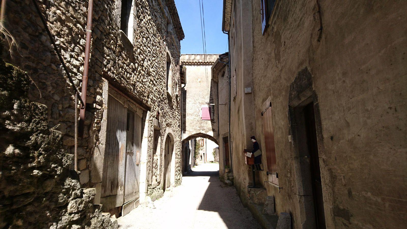 Rue principale de Pontaix