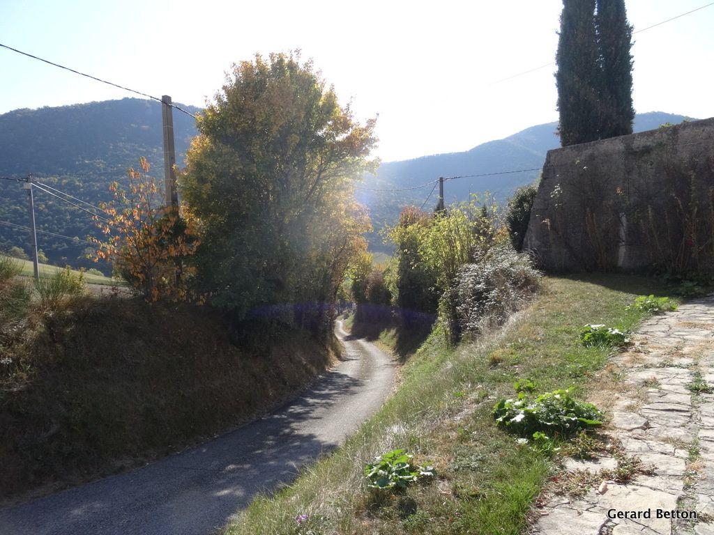 La route du col de Veraut (,photo prise à la descente). Ce n'est pas la partie la plus dure. Dans la pente maxi, je ne pouvais pas m'arrêter.