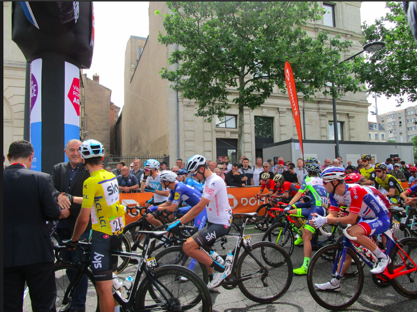 Valence : au départ de la 1ére étape du Criterium du Dauphiné