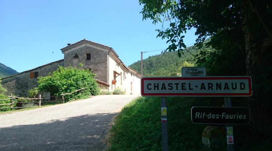 Chastel-Arnaud : le chataignier de Bellieux et Saint-Moirans