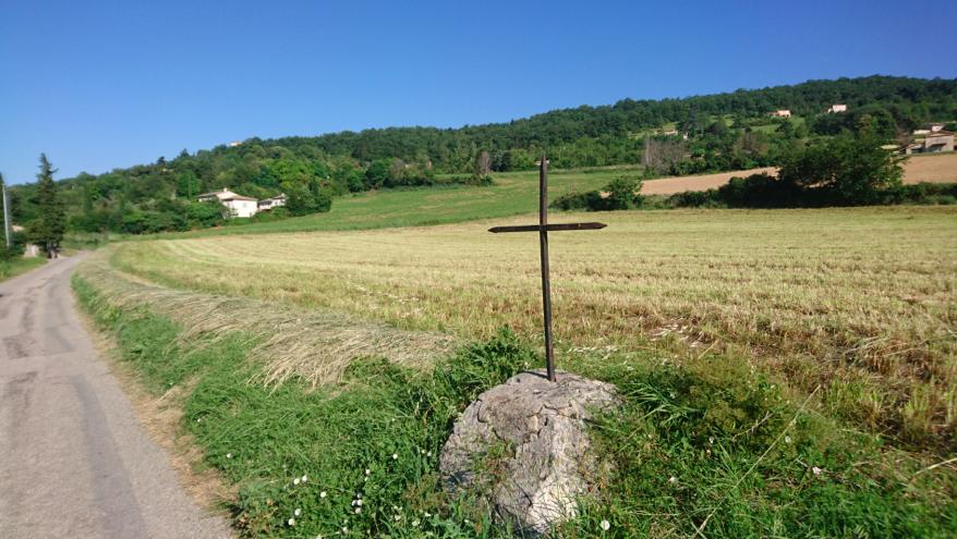 L'une des croix, du Chemin de Croix