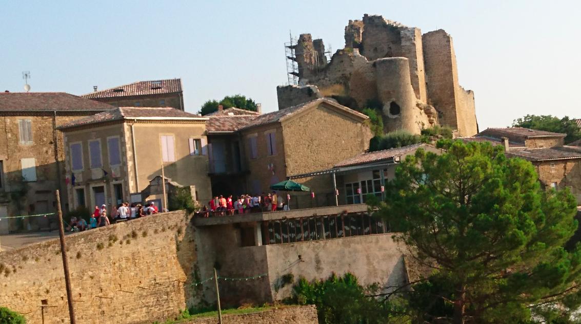 Sous les ruines du chateau médiéval