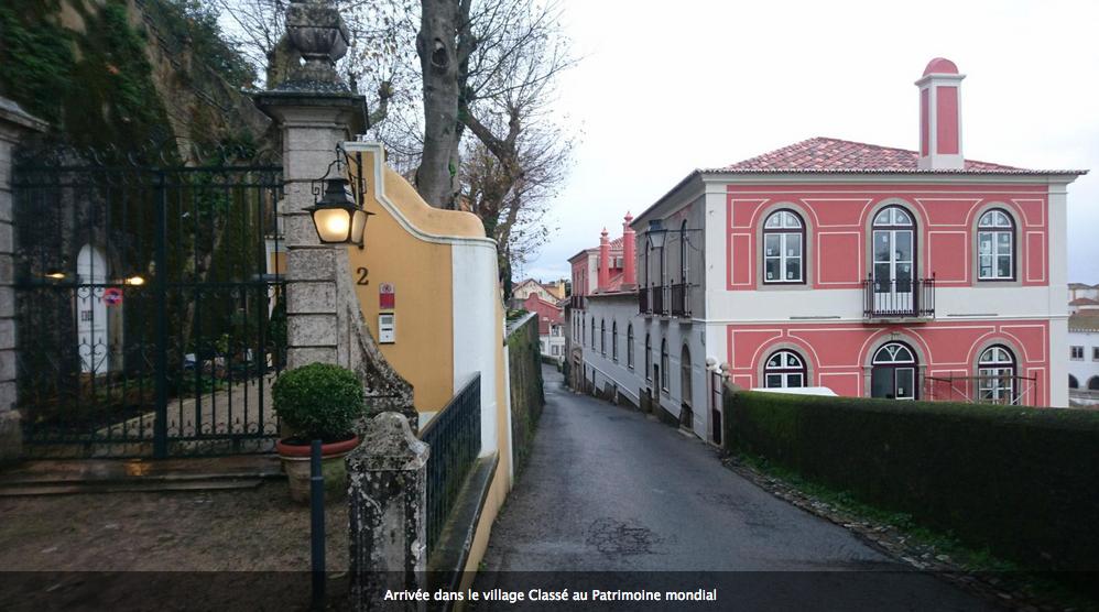 CAP : Sintra, Portugal. Une bosse au lever du jour