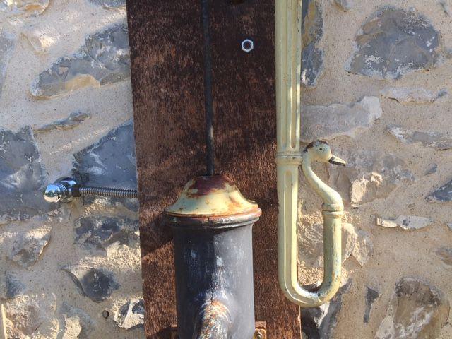 Plan de Baix : détail de la fontaine devant la mairie