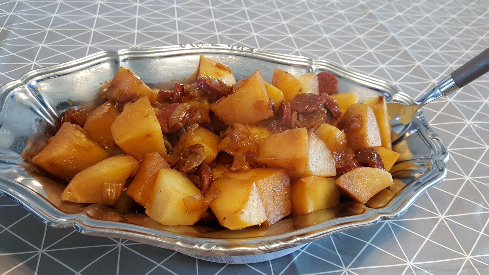 Pommes de terre sautées au chorizo et oignons au Cookéo